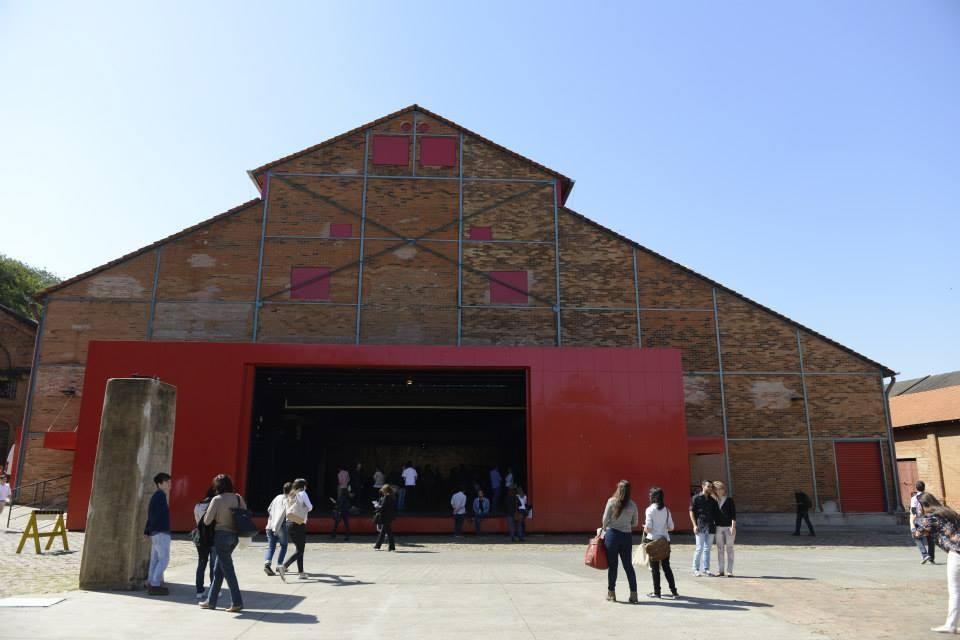 Arq.Futuro: A Cidade e a Água | Piracicaba (o balanço da curadoria), O Teatro do Engenho, um exemplo de recuperação de patrimônio histórico em Piracicaba. Foto: Bolly Vieira. Image Courtesy of Arq.Futuro