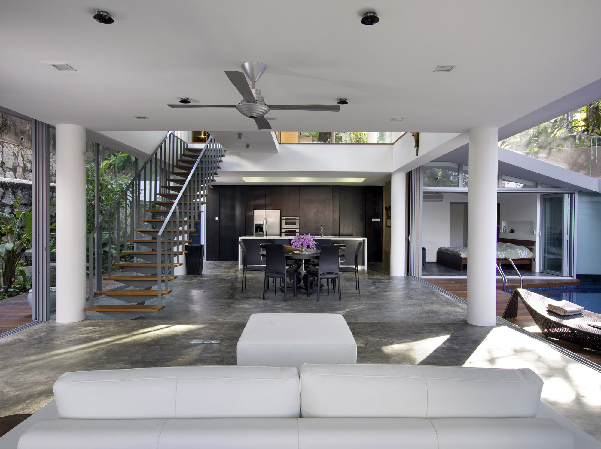 Gallery of ooi house czarl architects 14 for Casa decoracion willow