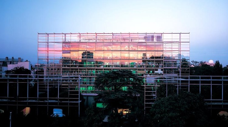 En perspectiva: Jean Nouvel, Fundação Cartier. Image ©  Paris Architecture Website