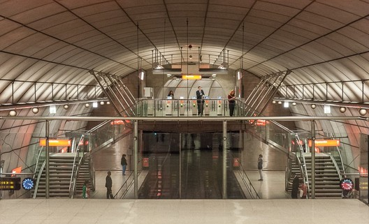 Norman Foster has been rewarded for his work on Metro Bilbao. Image © Flickr CC User Jacqueline Poggi