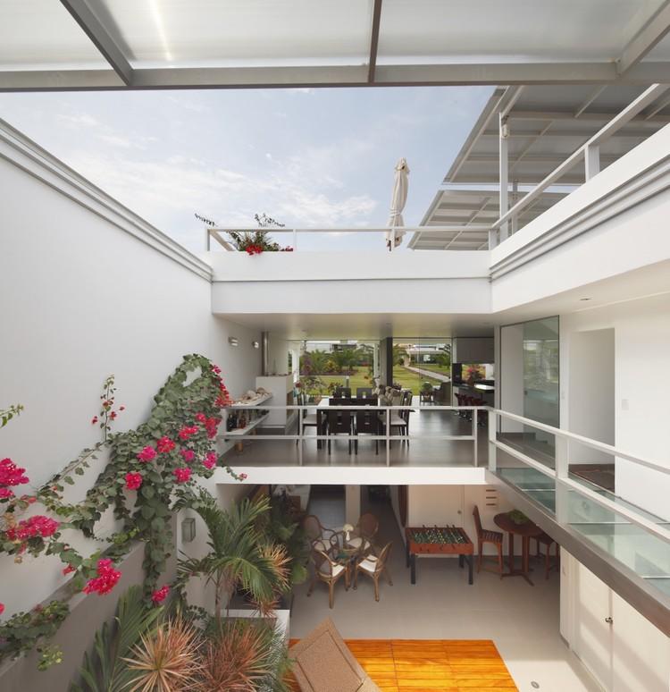 Flower House / Gómez de la Torre & Guerrero Arquitectos, © Juan Solano Ojasi