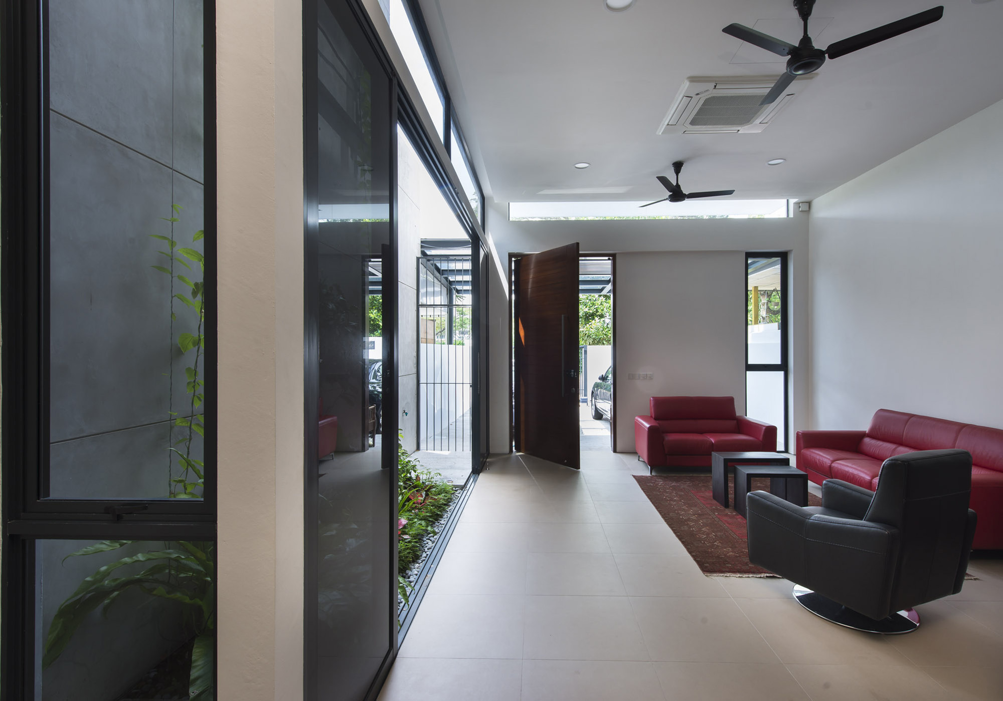 Airwell house adx architects archdaily - Jardineras modernas ...