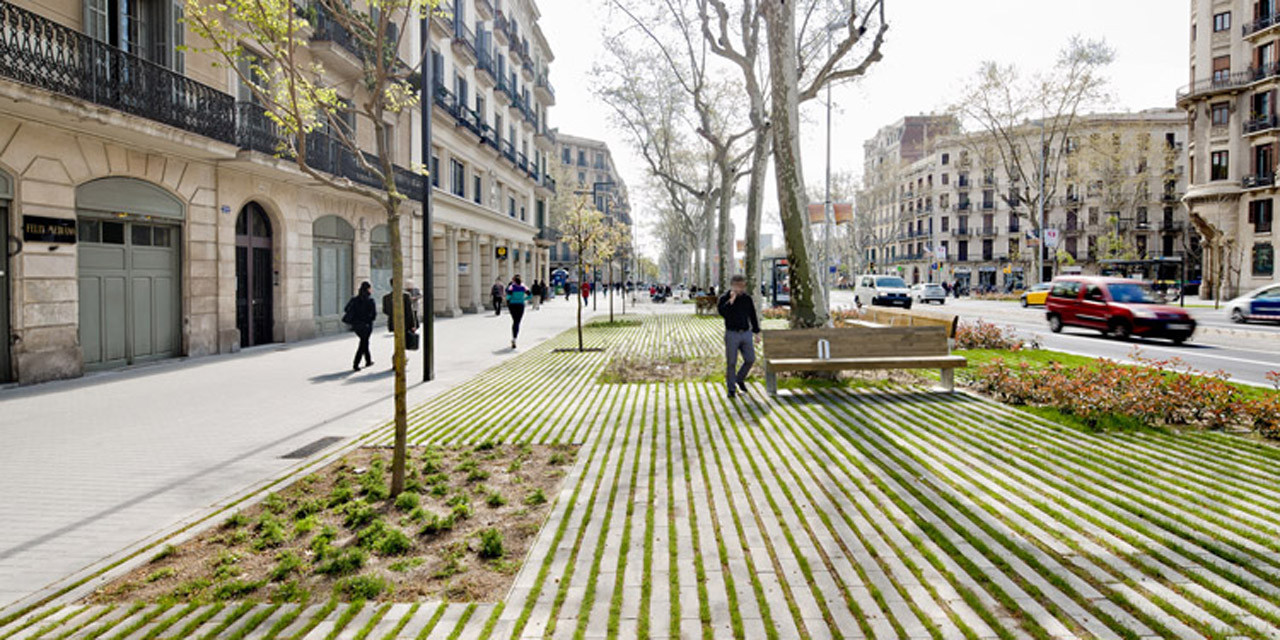 Galer a de paisaje y arquitectura remodelaci n del paseo for Jardineria barcelona centro