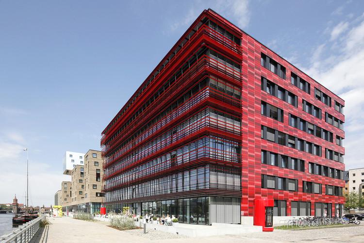 cocacola headquarters in berlin / tchoban voss architekten | archdaily, Attraktive mobel