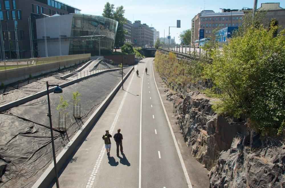 4 cidades que investiram em infraestrutura cicloviária, 'Baana' em Helsinki. © Riku Kettunen, via Flickr. Used under <a href='https://creativecommons.org/licenses/by-sa/2.0/'>Creative Commons</a>