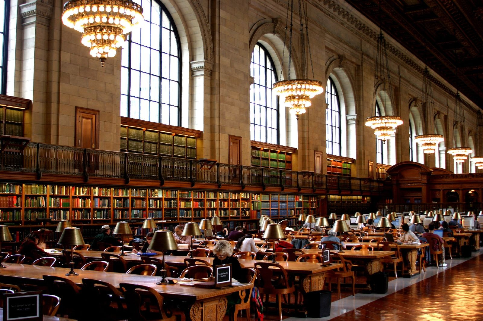 More Free Summer Reading: Nine Architecture Books From Routledge Available Throughout August, Reading room at the New York Public Library. Image © Thomas Hawk