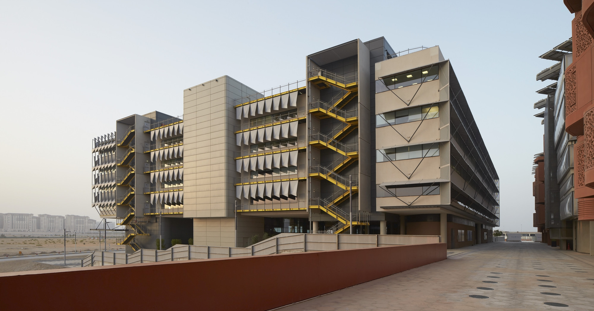 Siemens Hq In Masdar City Sheppard Robson Archdaily