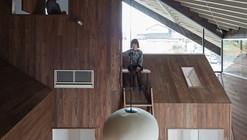Casa Refugio de Lluvia / y+M