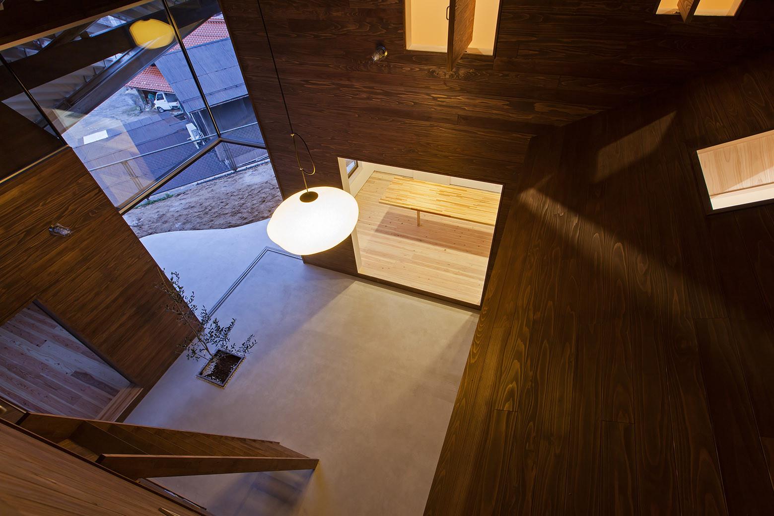 Galería de Casa Refugio de Lluvia / y+M - 4