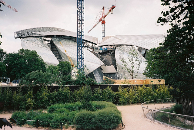 "Frank Gehry's ""Haute Couture"" Art Gallery for the Fondation Louis Vuitton, The Fondation Louis Vuitton in the Bois de Boulogne is set to open this fall. Image © victortsu via Flickr"