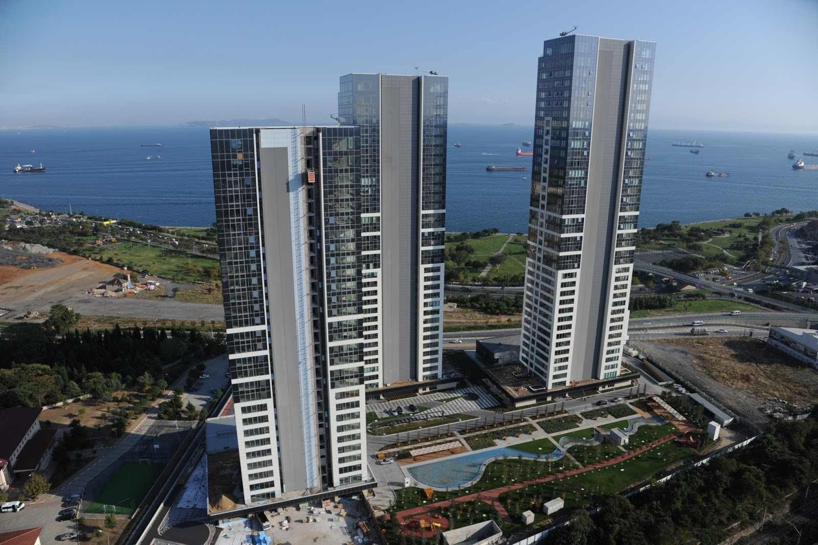Turkey Orders Demolition of Three 'Illegal' Residential Towers, Image via istanbulucuyorum.blogspot.co.uk