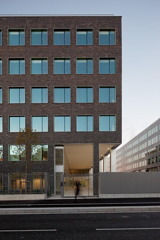 Offices Business Incubato / bureau faceB, © Vincent Fillon