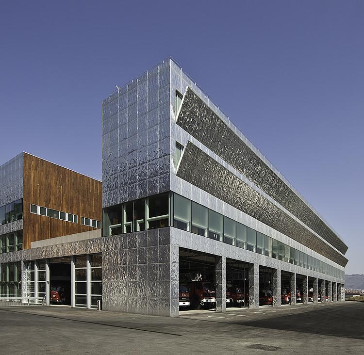 Casa de los Bomberos  / Coll-Barreu Arquitectos, Cortesía de Coll-Barreu Arquitectos