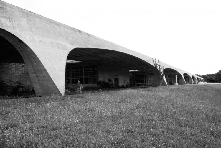 Clássicos da Arquitetura: Escola de Administração Fazendária / Pedro Paulo de Melo Saraiva, © Daniel Corsi