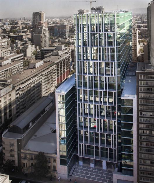 Amunategui Building / Alemparte Morelli y Asociados Arquitectos