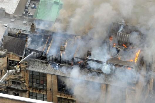Glasgow School of Art ablaze (unknown source)