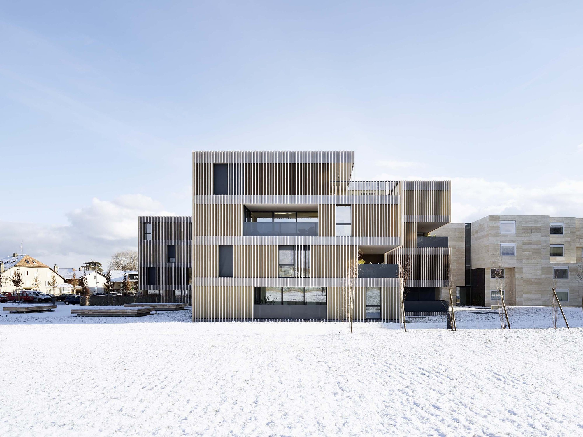 striped living / group8 | archdaily