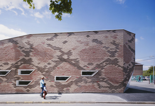 Boa Canteen / D'HOUNDT+BAJART Architects & Associates