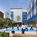 PAVE Academy Charter School / Mitchell | Giurgola Architects, LLP. Image © Albert Vecerka / Esto