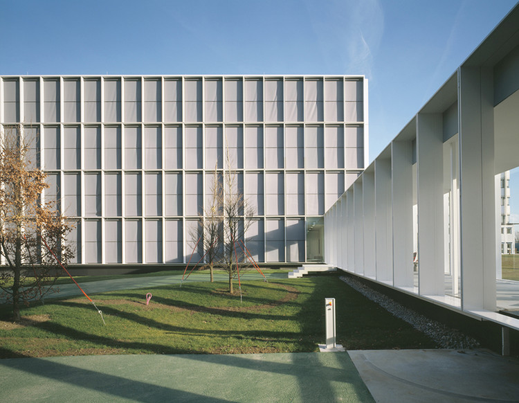 Edificio de Oficinas / Nissen & Wentzlaff Architekten, © Ruedi Walti