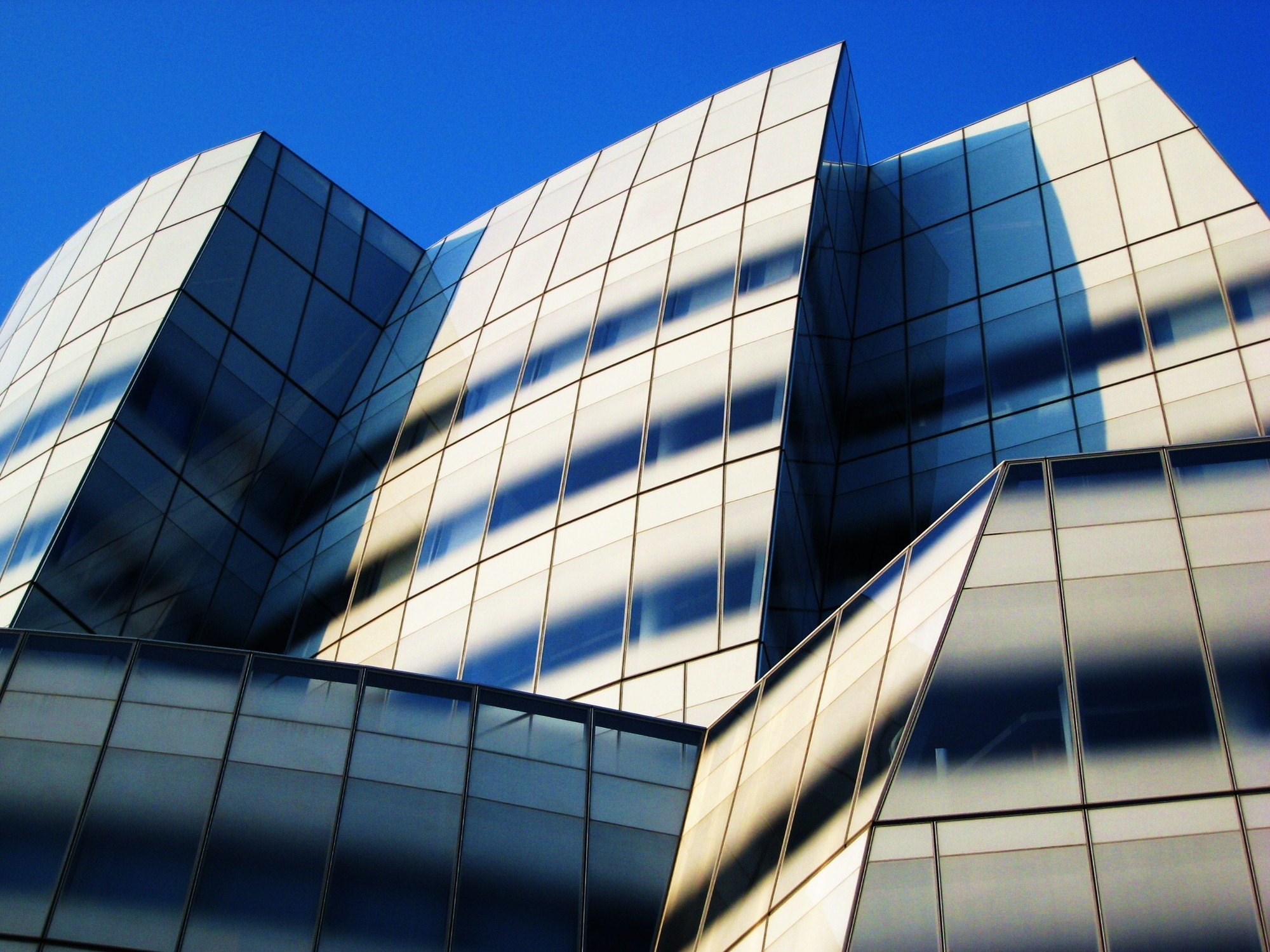 'Geospatial Solutions' Company Trimble Acquires Gehry Technologies, The IAC Building by Gehry Partners. Image © flickr user swisscan