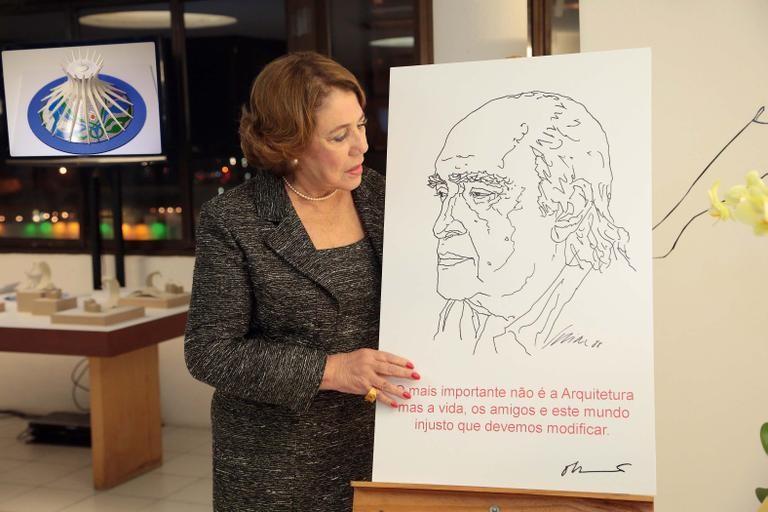 """Esposa de Niemeyer conclui novo número da revista """"Nosso Caminho"""", editada pelo arquiteto, Cortesia de CAU/PA"""