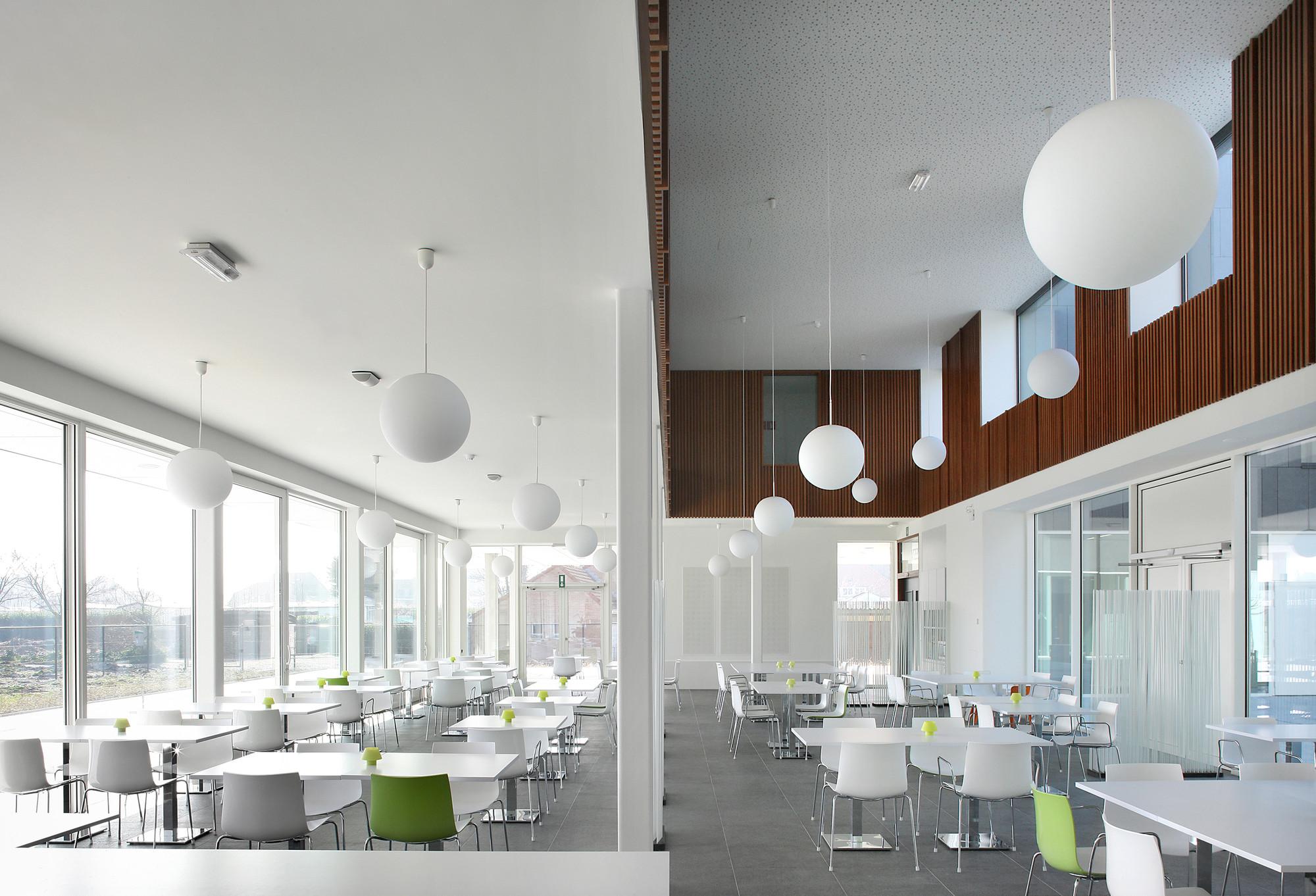 Carehotel middelpunt architectuuratelier dertien12 for Dujardin 007