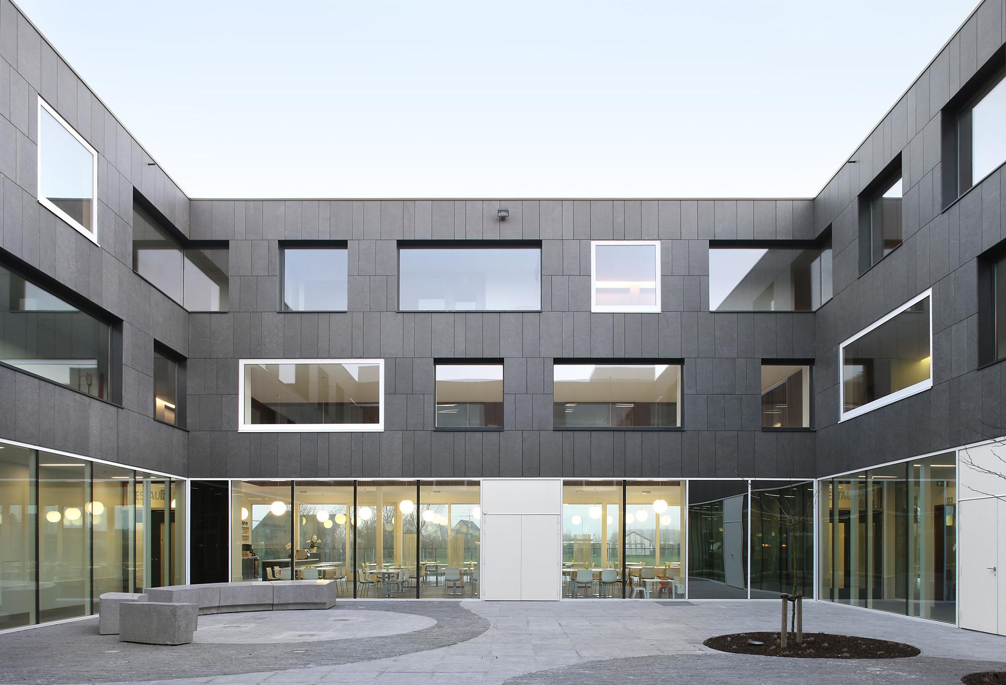 Carehotel Middelpunt / Architectuuratelier Dertien12, © Filip Dujardin