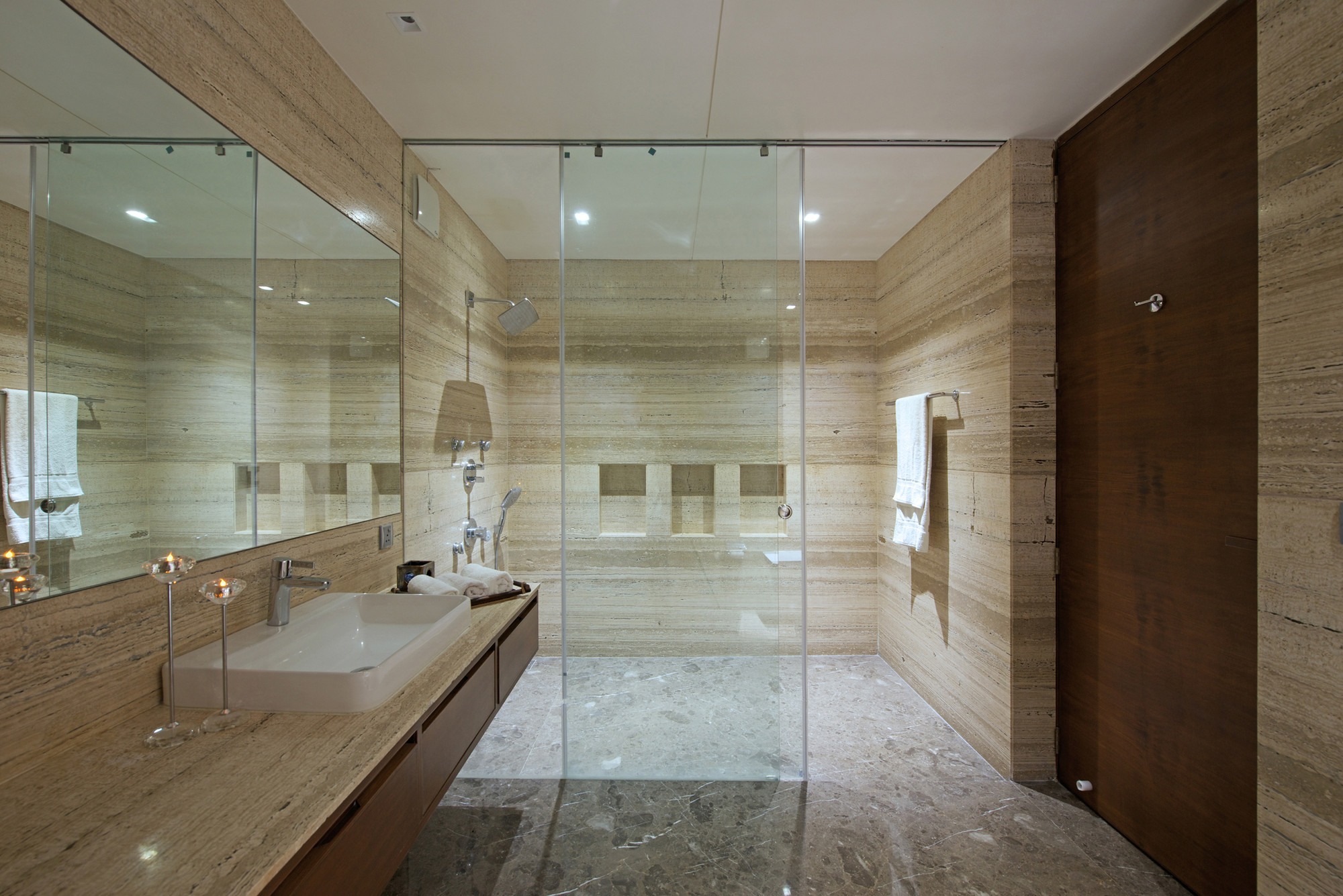 Gallery of the urbane house hiren patel architects 5 for Floor synonym