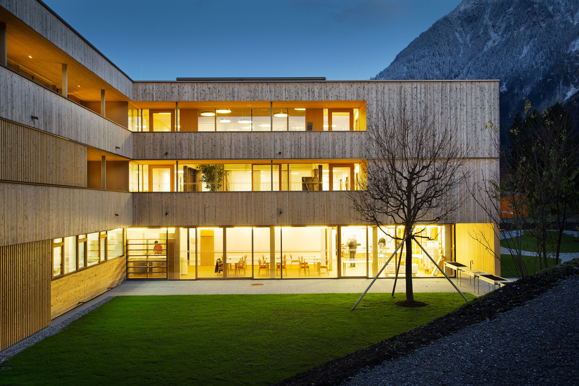 Nenzing Nursing Home / Dietger Wissounig Architects | ArchDaily