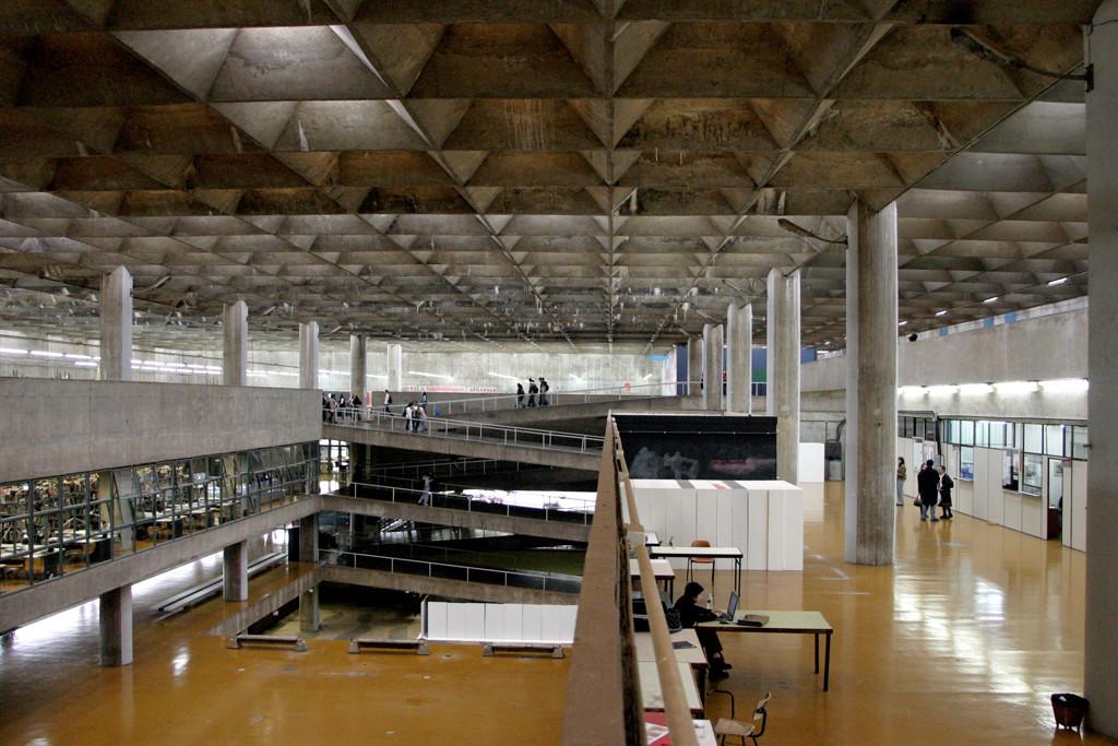 Ranking de Faculdades de Arquitetura Brasileiras, FAUUSP, primeiro lugar no Ranking Universitário Folha 2014. Image © OWAR Arquitectos
