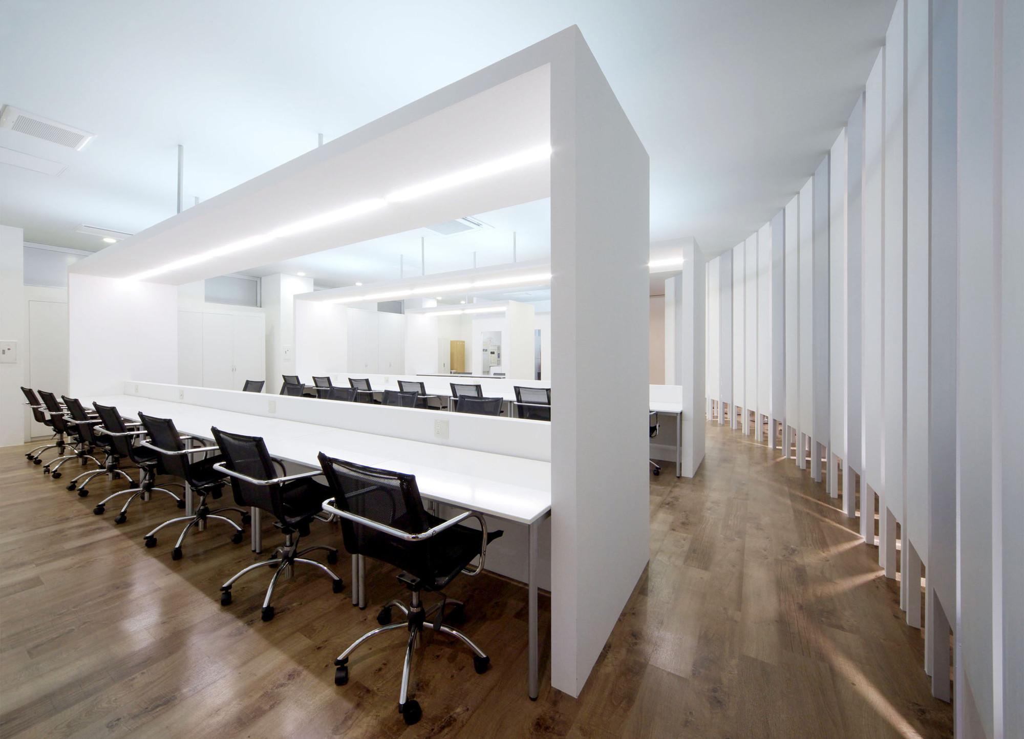 Vantan Design Institute Osak / eleven nine inteiror design office ...