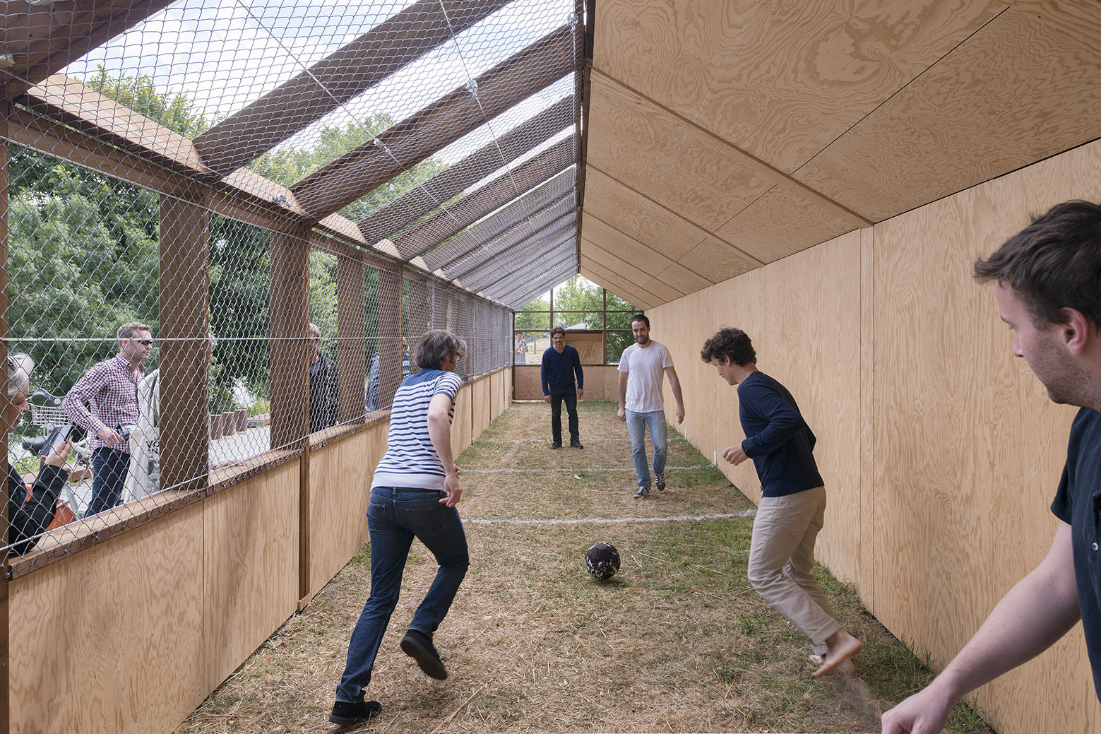 Football Playground / Guinée et Potin Architects, © Martin Argyroglo