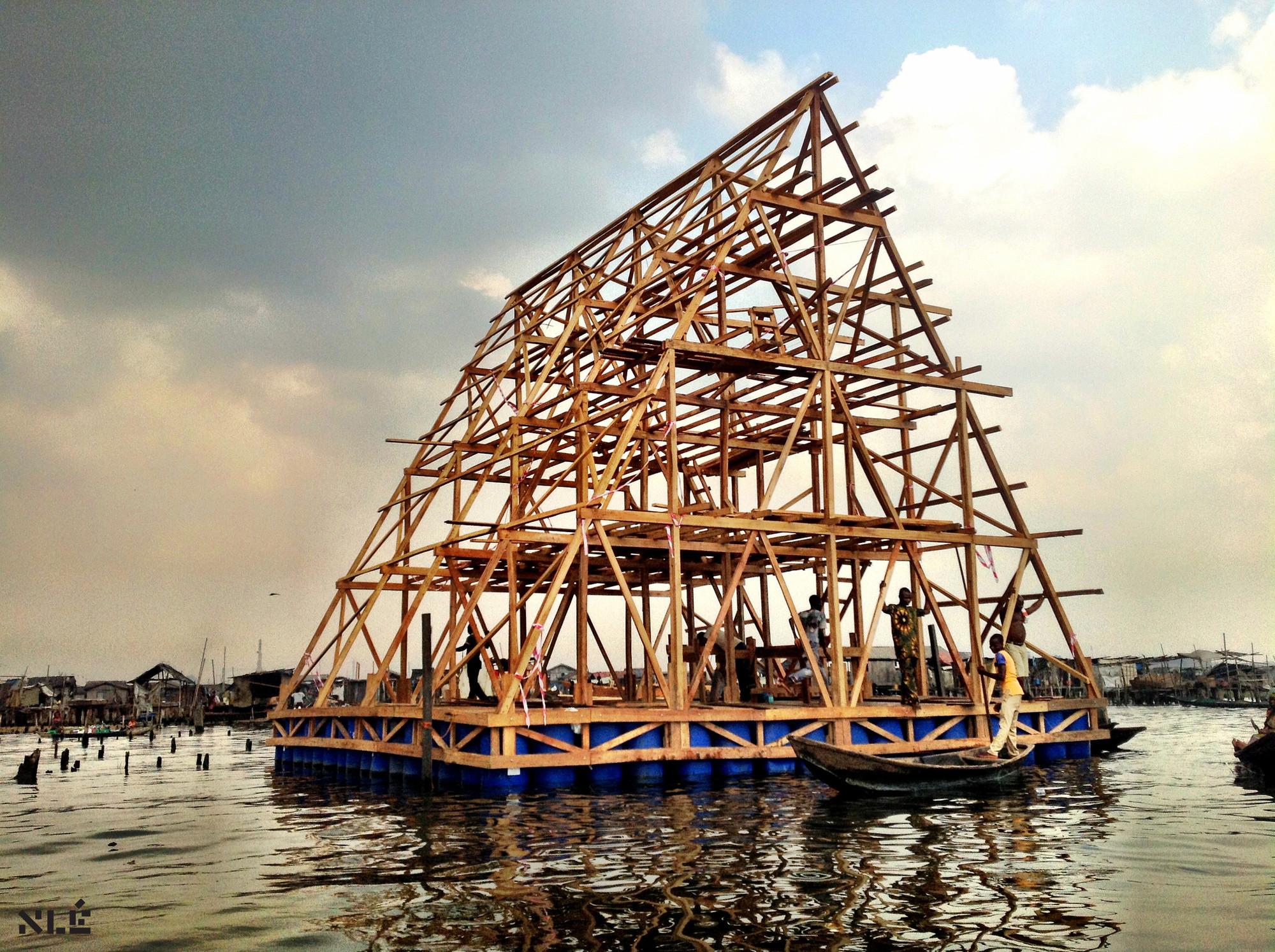"""Episódio 5 da série Rebel Architecture da Al Jazeera: """"Working on Water"""" , Cortesia de Al Jazeera"""