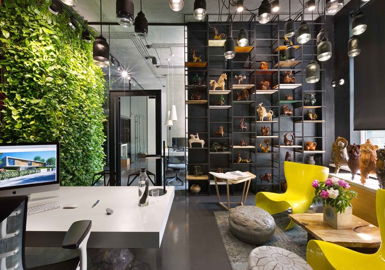 Sergey Makhno Office and Showroom / Illya Tovstonog + Sergey Makhno Architects