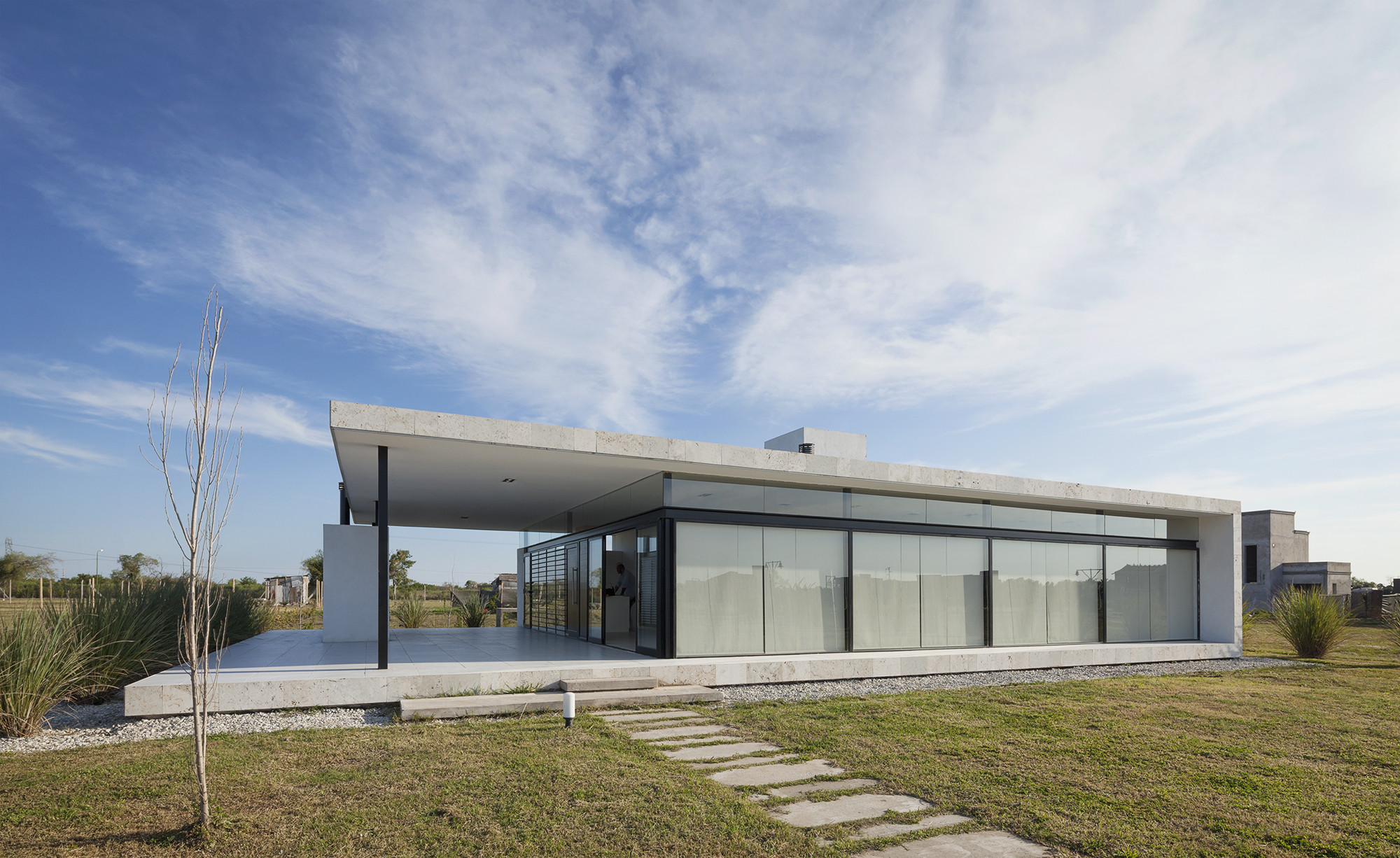 Ribera 1 House / Escribano + Bourquin, © Federico Cairoli