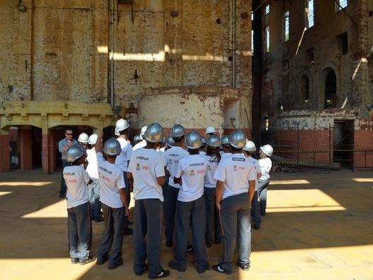 Projeto aproxima crianças do processo de restauro de um Engenho em Piracicaba, © Leon Botão. Cortesia de G1