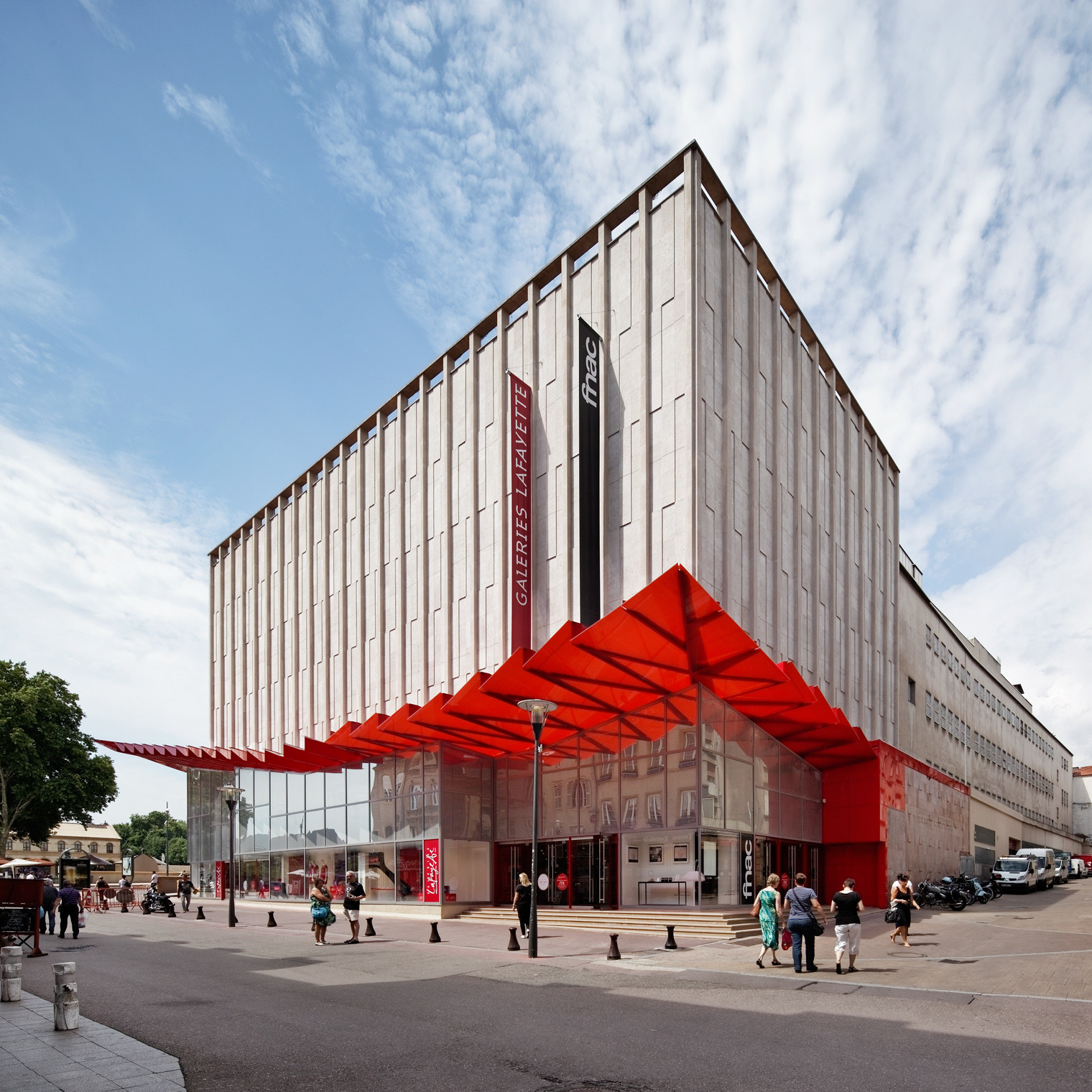 Galeries Lafayette Department Store / Manuelle Gautrand Architecture