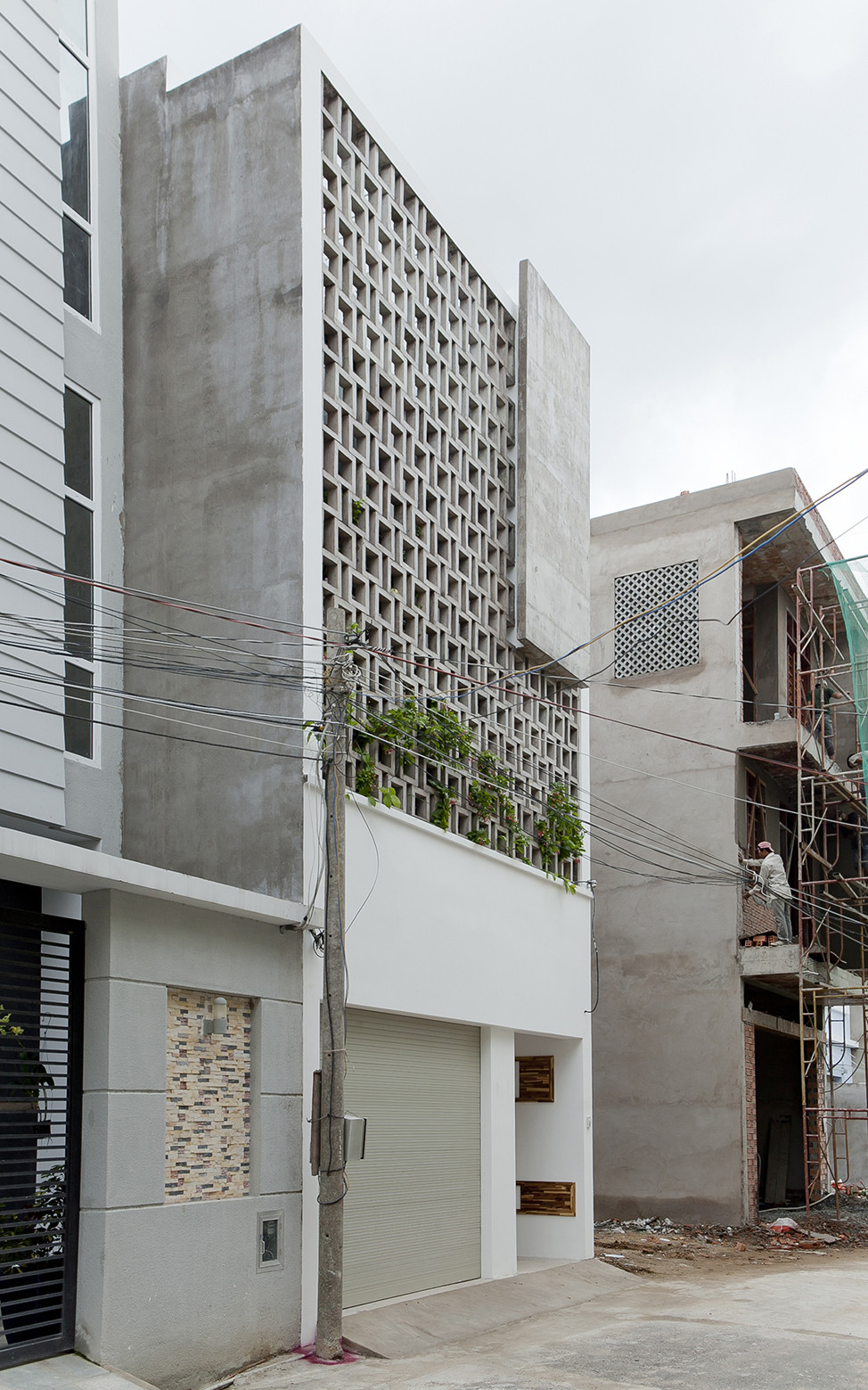 Gallery of b house i house architecture and construction for Home node b architecture