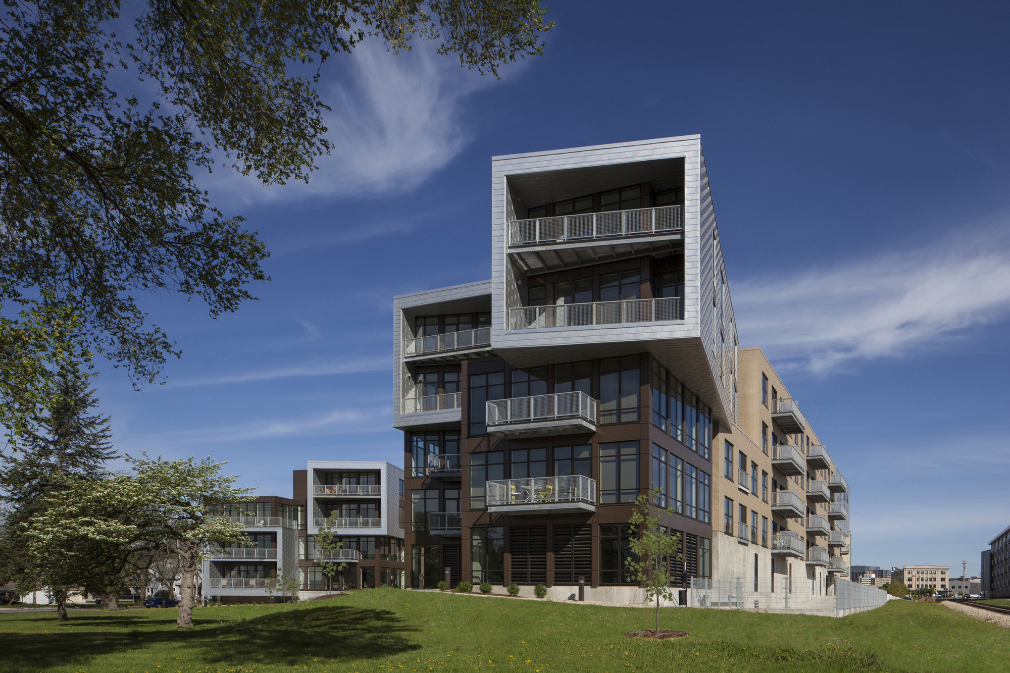 Seven27 Apartments / Valerio Dewalt Train Associates, © Barbara Karant