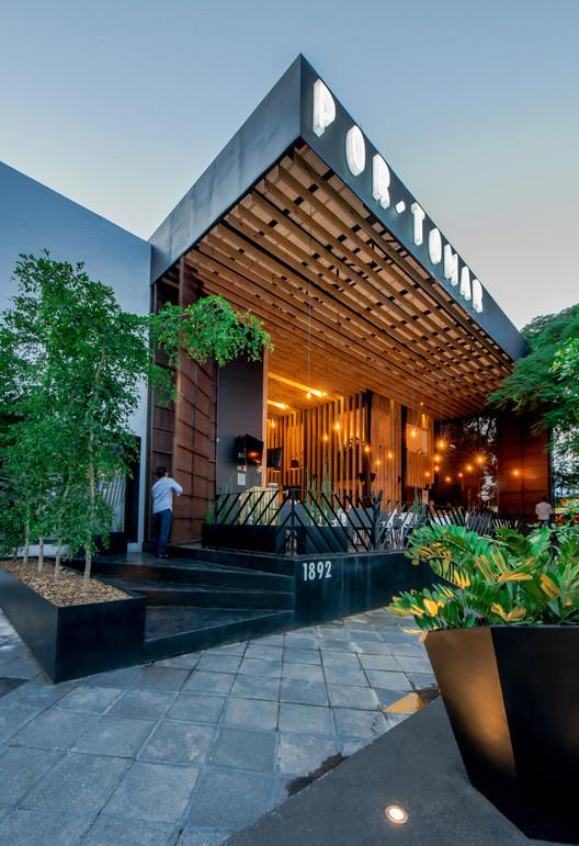 BAR LC / Eklemes Rivial Arquitectura + JAA + Morari Arquitectura, © Efraín Alvarado