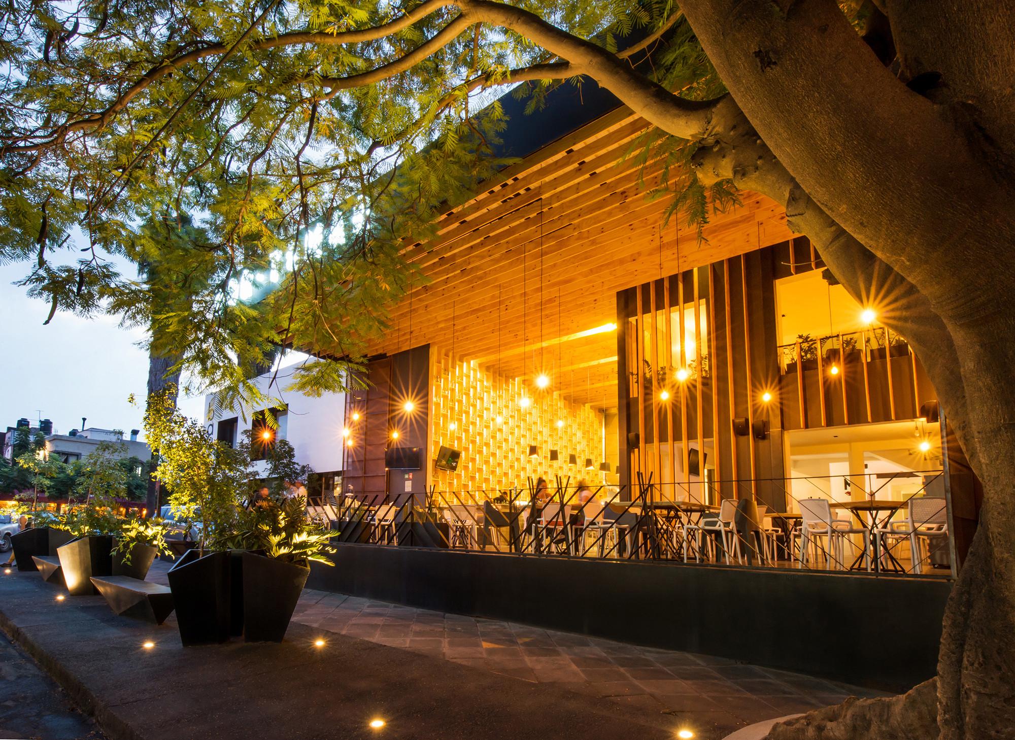 Galer a de bar lc eklemes rivial arquitectura jaa for Arquitectura arquitectura