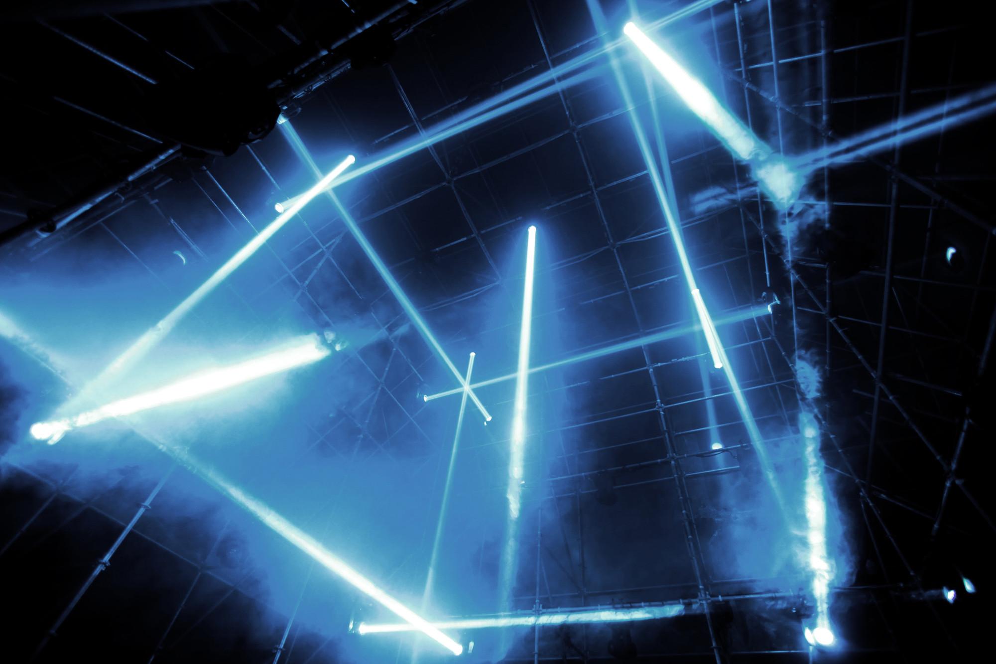 """Instalação """"Tesseract"""" na Semana Digital de Bordeaux, © 1024 Architecture"""
