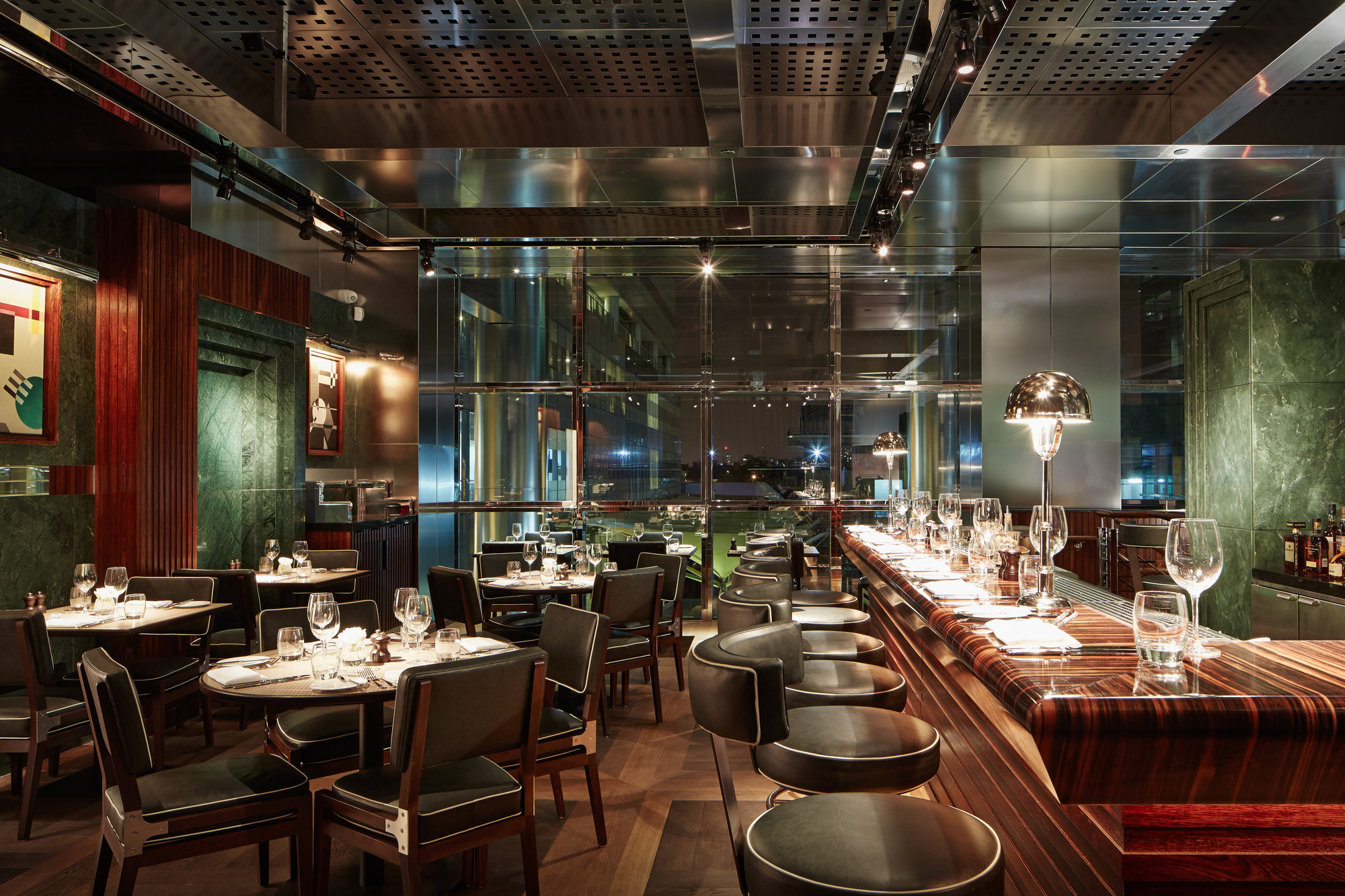 Beau Restaurant/Bar In A Retail Space: One Canada Square (London) / David