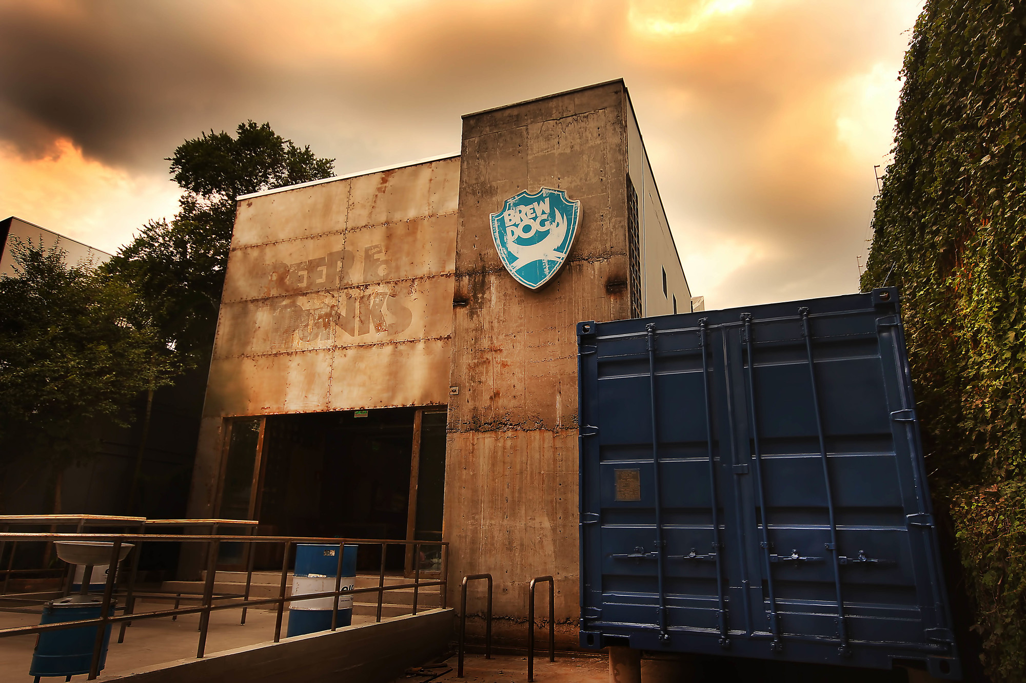Outside: BrewDog (Brazil) / CM Design Consultants