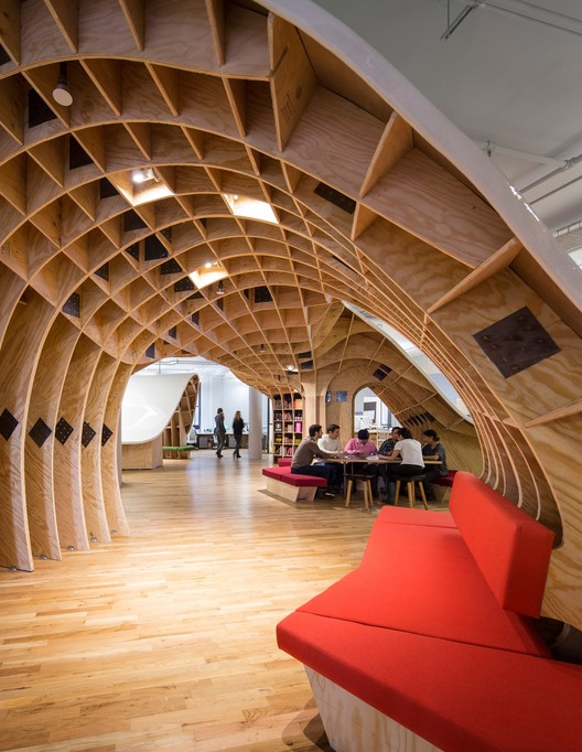 Tour a Building a Day Throughout Archtober, The Barbarian Group / Clive Wilkinson Architects © Michael Moran