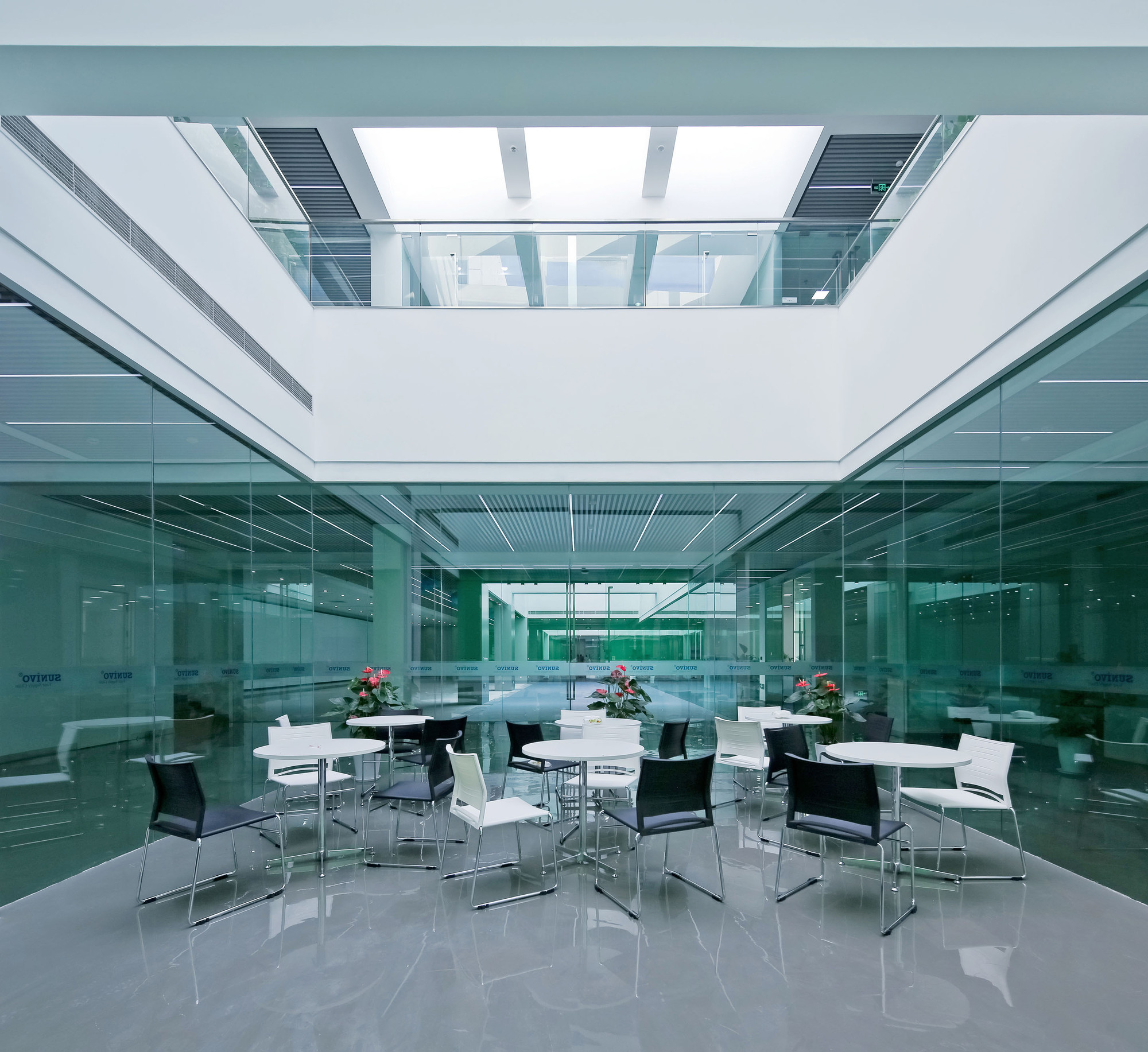office cube design. Jinqiao 21 Office,© Su Shengliang Office Cube Design |