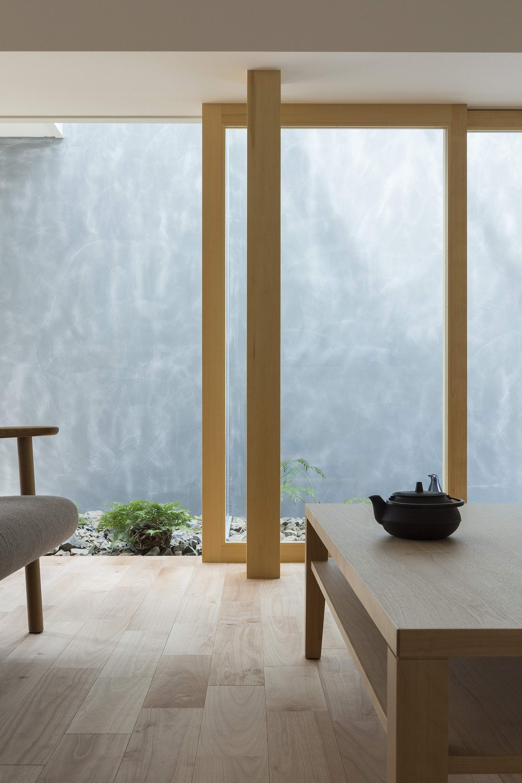 Gallery of Kusatsu House / ALTS Design Office  - 13