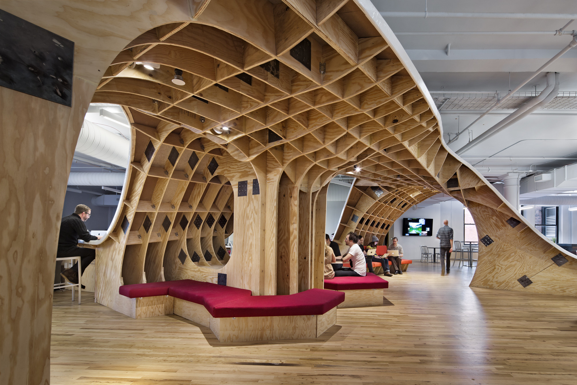 INSIDE Awards Name 2014's Best Interiors (Round 2), BEST of Offices: The Barbarian Group; New York, USA / Clive Wilkinson Architects. Image Courtesy of INSIDE