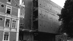 Clássicos da Arquitetura: Hering Matriz / Hans Broos